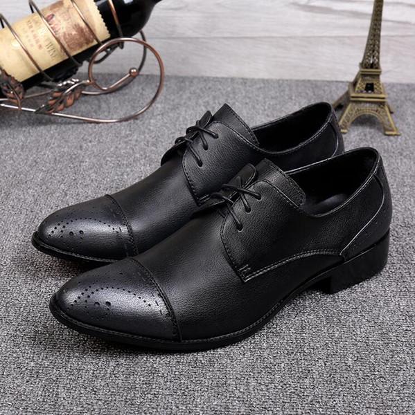 2017 Sıcak satış Bullock bölmesi desenleri erkek ayakkabı havalandırmak yuvarlak kafa İngiliz iş rahat ayakkabılar Lüks Moda Damat Parti Ayakkabı M446
