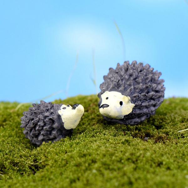 best selling Hedgehog Mom and Son Cartoon Mini Animals Ornament Miniatures For Terrarium Fairy Garden Décor Moss Succulent Plant Pot Landscape Decoration