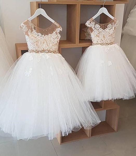 2018 Günstige Elfenbein Fairy Jewel Neck Ballkleid Blumenmädchen Dresse Tüll mit Champagne Futter und sheer Sparkling Beads Mädchen Party Kleider