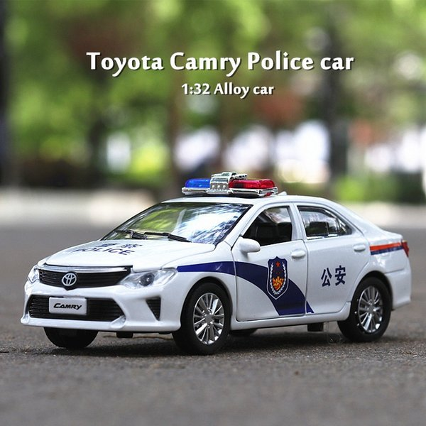Escala 1/32 Toyota Camry Police Car Diecast modelo de aleación Pull Back Sound Light Collection Toy