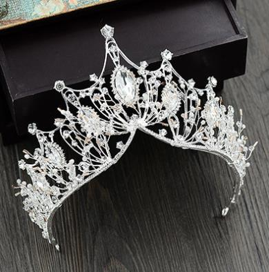 Princess, handmade crown, bride, crown wedding gown, air wedding dress, evening dress, photo studio, and accessories.