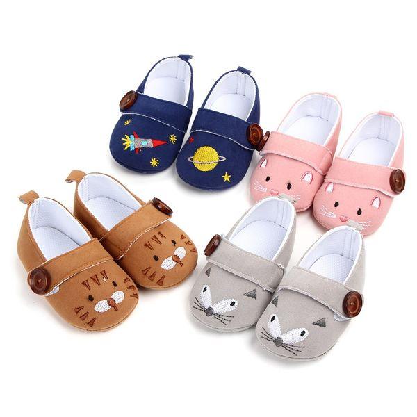 Neugeborenes Baby Boy Girl Baby Schuhe Neugeborenen Mädchen Jungen Taste Cartoon Stickerei Erste Wanderer Weiche Sohle Turnschuhe Schuhe