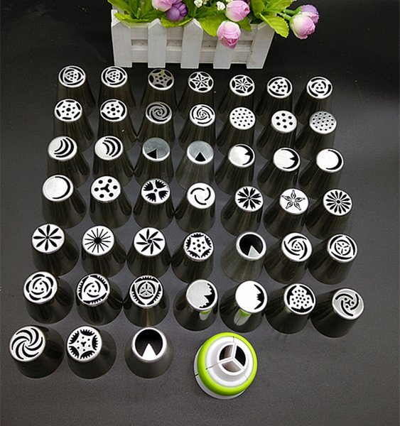 Wholesale-45X Russian Tulip Flower dessert decorator Cake Tools Icing Piping Nozzles Cake Decoration Tips Baking Tools