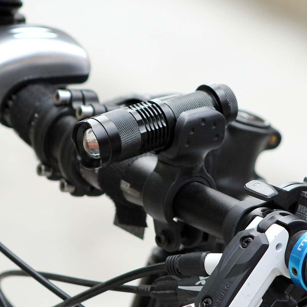 top popular LED Bicycle Light 7Watt 2000 Lumens 3 Mode Cycling Light+Torch Bike Holder Q5 LED Waterproof Front Light Zoomable 2021