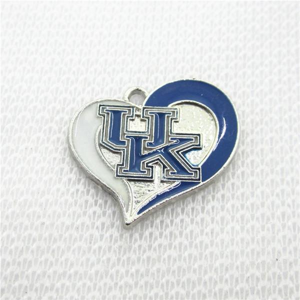10 pcs NCAA Logo UK Université du Kentucky Wildcats Dangle Charms Coeur Sport charmes DIY Bracelet Collier bijoux pendnat
