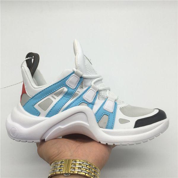 Rétro Femmes ArchLight Sneaker En Cuir Pour Hommes De Luxe Fête De Mariage Chaussures Triple S Chaussures De Course Casual Outdoor Boots Vintage