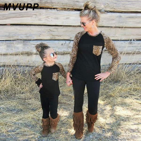 MVUPP family matching outfits mother daughter clothes raglan sleeve pocket leopard t shirt mom mommy and me baby girl look 2018