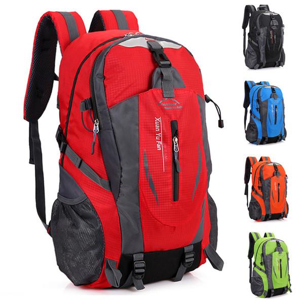 Les explosions pour le sac d'alpinisme en plein air les hommes et les femmes chevauchant un sac à dos de sport de loisirs de loisirs