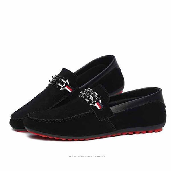 Red Bottoms Mocassini Scarpe da uomo nere Slip On Scarpe basse da uomo per il tempo libero Moda maschile traspirante Spedizione gratuita