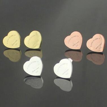 Yeni Varış Toptan Fiyat T damga Kalp Saplama Küpe 18 K Altın kaplama 3 renkler 316L paslanmaz çelik kadın Küpe Ücretsiz Kargo