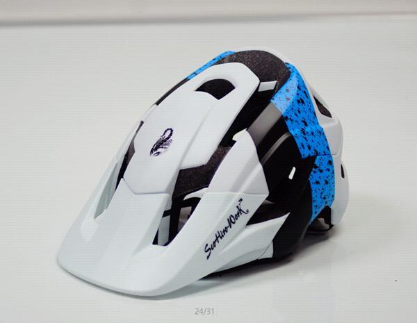 Mountainbike Schwarzweiss-Helm mit Visier mtb Fahrrad F0X Rennhelm metah für Frauen Cascos bicicleta carretera C18110801
