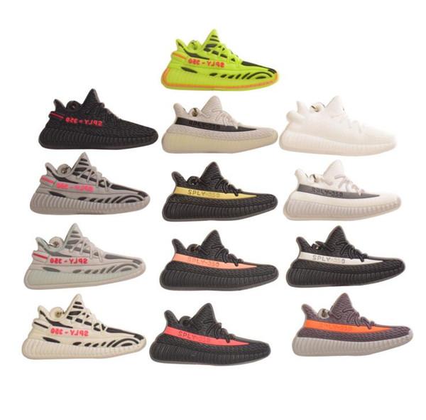 MIX 50 adet spor ayakkabı Anahtarlıklar karikatür PVC Kauçuk Anahtar Yüzükler Kolye Süslemeleri