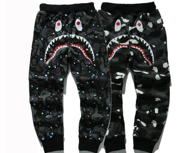 ma1 Мужские брюки хип-хоп акула камуфляж мужчины брюки военные бегуны kanye west шаровары мужчины скейт тренировочные брюки бегуны брюки