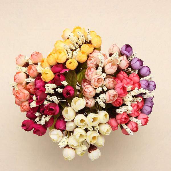 Venta al por mayor Mini lindo jarrón de hierro con flores de ...