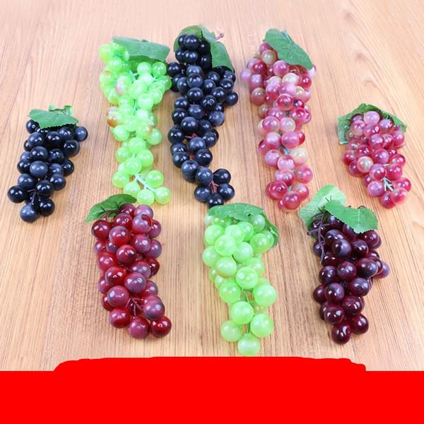 Simulazione Frutta Uva Stringa Plastica Artificiale Oversize Decorativo Realistico Cibo Home Ornamento Rosso Nero Vendita calda 5 2 cm Ww