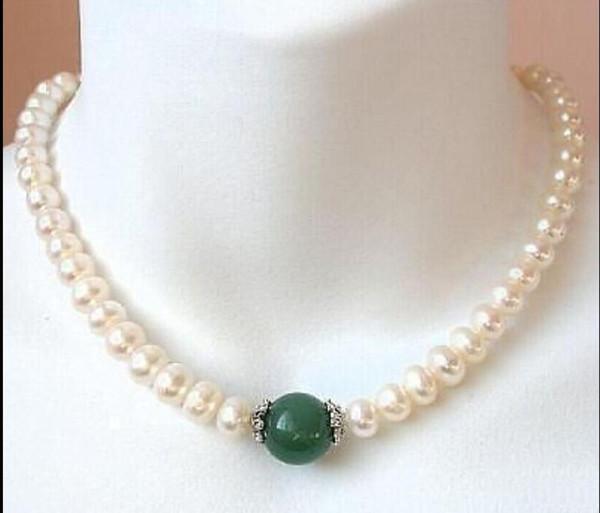 schöne 9-10mm Südsee weiße Perle + grüne Jade Halskette 14K Gold Verschluss 18