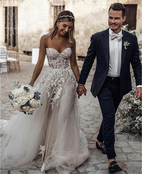 Attractive A Line Bohemian Wedding Dresses Sweetheart Appliques Beading Beach Bridal Dress Tulle Skirt Long Wedding Gowns