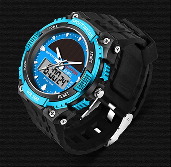 SANDA Relojes Hombres Relojes de pulsera para hombre Reloj de pulsera para hombre con energía solar a prueba de agua 2 Zonas horarias Reloj LED de cuarzo digital