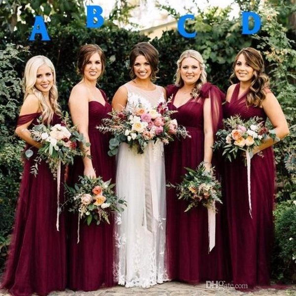 2018 Personalizza Modest Borgogna Tulle Long Country Abiti da damigella d'onore Off-Spalle pieghe Estate Garden Wedding Party Guest Junior Gowns