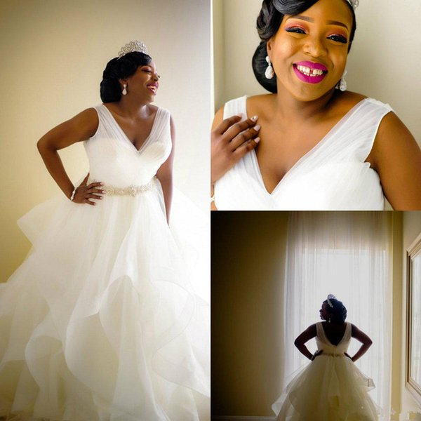 Plus Size Wedding Dresses with Crystal Beaded Belt 2019 Modest V-neck African Ruffles Puffy Skirt Garden Church Bridal Wedding Gown