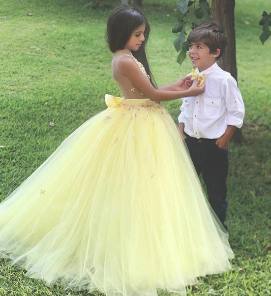 2019 Jewel Ball Gown Flower Girl Dresses Lace Flowers Appliques Pageant Gowns Tulle Bow Sash First Communion Dress