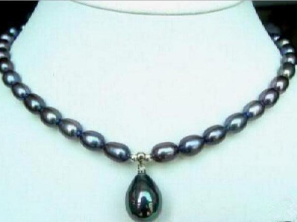 Collar de perlas de Akoya negro de 10-11 mm Collar de perlas de 18 quilates con cierre de oro de 18 pulg.