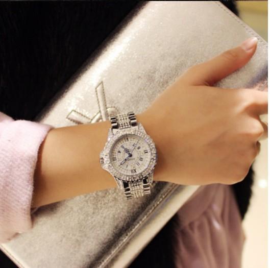 Novas senhoras assistir strass pulseira de couro relógio senhoras moda liga simulação de quartzo relógio de strass retro