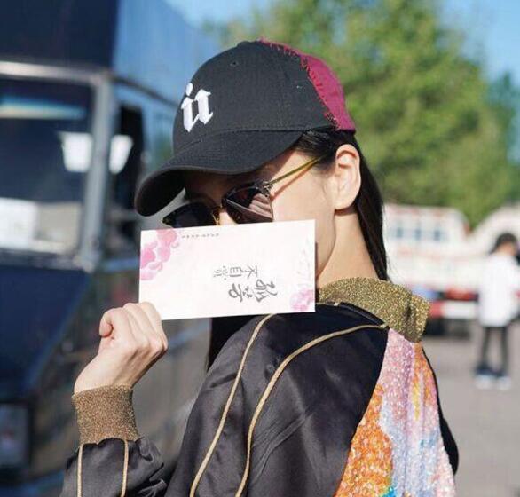Четвертый сезон согните вдоль шляпы письмо Вышивка оттенок корейской версии женский хип-хоп бейсболка