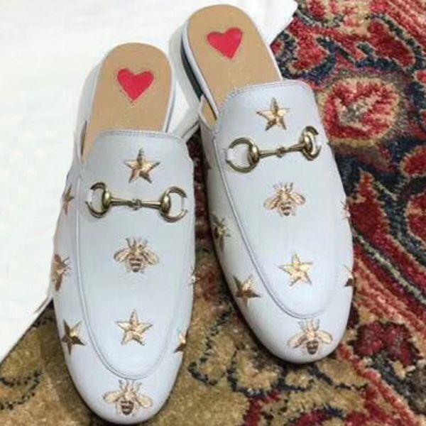 2017 ilkbahar ve yaz yeni kadın ayakkabı düşük topuklu terlik ile Avrupa ve Amerikan kaba Baotou rahat sandalet