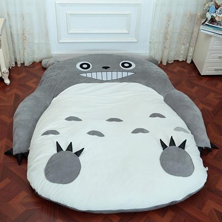 11Tooth Totoro_180cm x 120cm