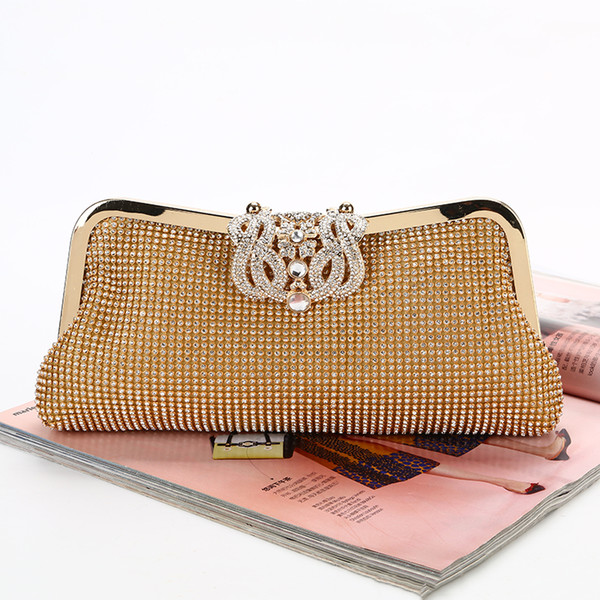 hot style New diamond-encrusted dinner bag A hand-made rhinestone evening bag Crown head lock unique style high quality workmanship