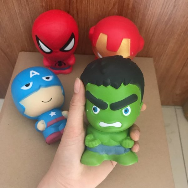 Hot Squishies Vengadores de dibujos animados Marvel Heros Hulk iron Hombre Spiderman Squishy juguete Lento aumento Simulación Perfume Phone Charms Phone Straps