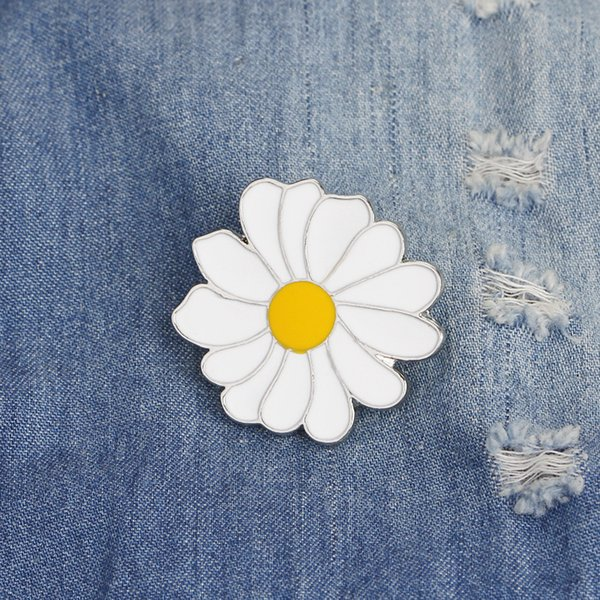 10PCS Creative White Yellow Flower Little Daisy Drip Alloy Brooch Badge Gift For Friends
