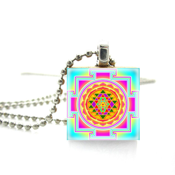 2019 New Arrival Scrabble Tile Necklace Buddhist Sacred Geometry Sri Yantra Necklace Scrabble Pendant Wooden Game Tile Jewelry