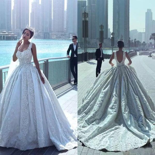 Disse Mhamad Lace vestido de baile vestidos de casamento com apliques frisados Spaghetti Tribunal Trem de casamento sem encosto vestidos de noiva