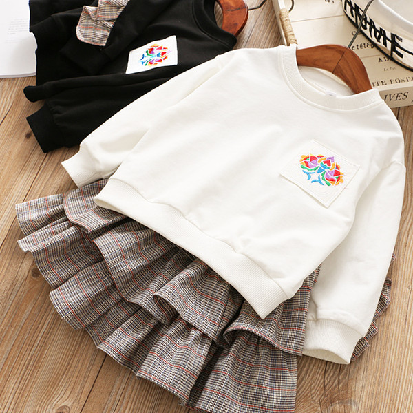 Baby Show The spring and autumn period and the new children's clothes Girl embroidered T-shirt + grid cake skirt suit or two 18852