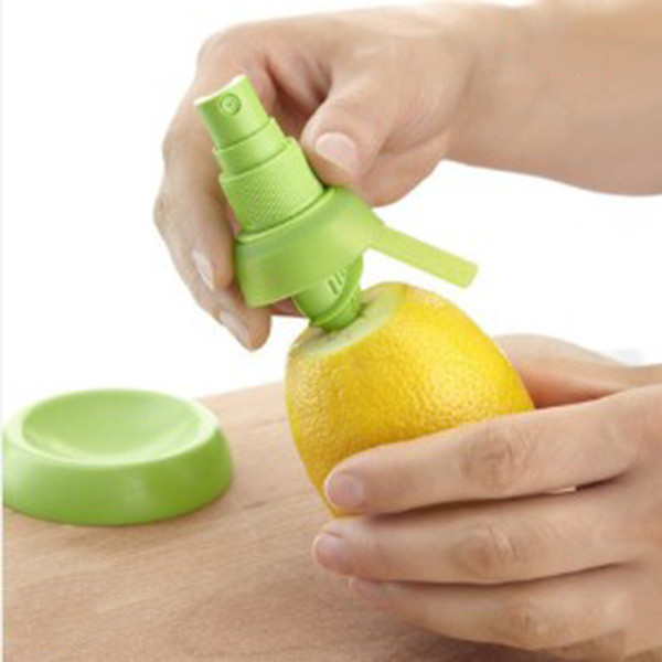 cariel Free Shipping Creative Lemon Juice Sprayer Citrus Spray Hand Juicer Mini Squeezer Kitchen Tools Factory Price wn537B
