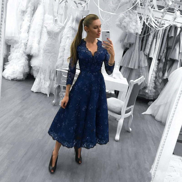 2018 Dark Navy Short Prom Dresses Evening Wear Arabic V Neck Full Lace Beaded Crystal Three Quarter Sleeves Tea Length Formal Party Gowns