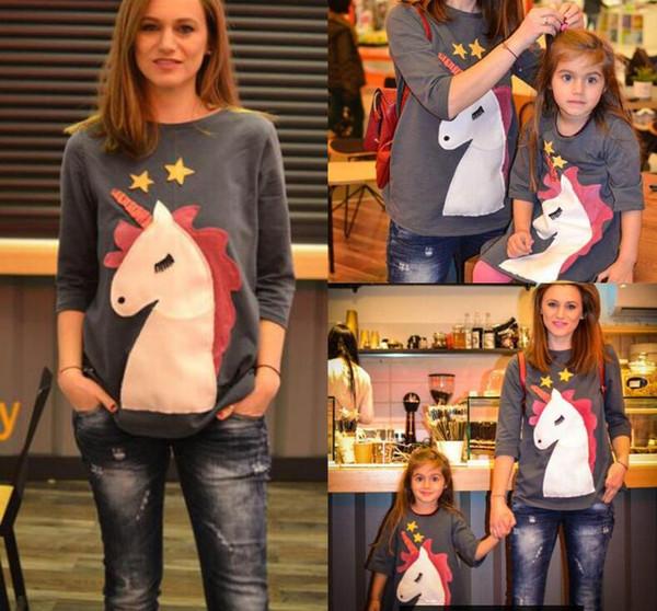 Aile Eşleştirme KıyafetlerNoel Unicorn ile Güzel anne kızı ve çocuk işlemeli T-shirt Anne ve çocuklar set giysi