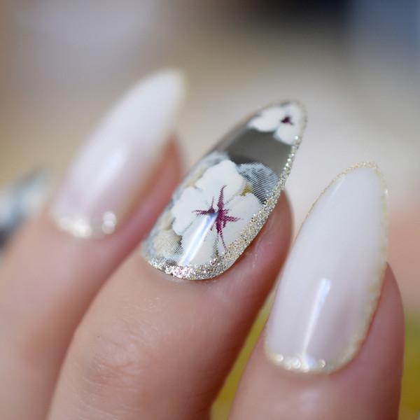 Black White Sharp Stiletto Fake Nails Flower Pattern Glitter Side Decoration Designed Nail Tips 24pcs With Glue Sticker Z808