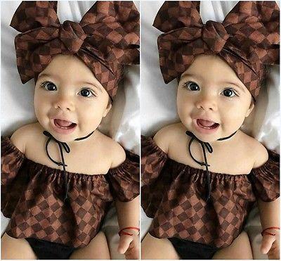 Nette neugeborene Säuglingsbaby-Kleidung weg von der Schulter-Rüsche-Trägershirts + Stirnband + Kurzschlüsse 3pcs Sommer-Baby-Kleidungs-Ausstattungen