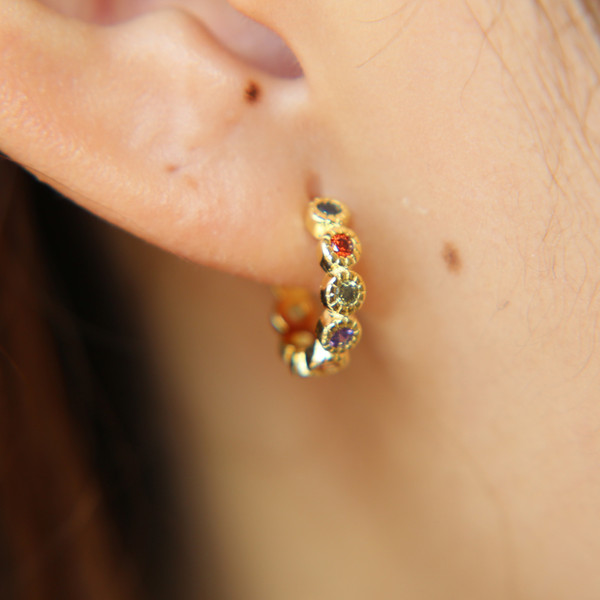 gold plated rainbow cz hoop earring for girl women fashion dainty jewelry small huggie hoops trendy simple jewelry