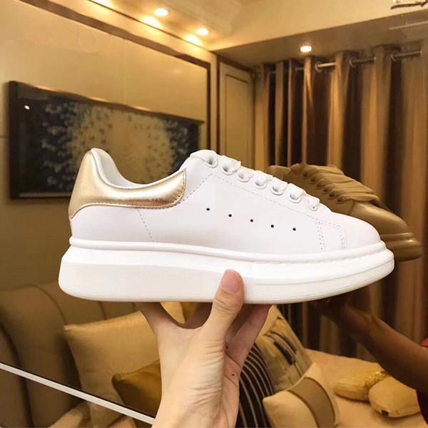 De lujo de los hombres de las mujeres de cuero zapatos casuales zapatos de diseñador Nuevo negro Blanco Moda mujeres zapatos deportivos Entrenadores xrx19040303