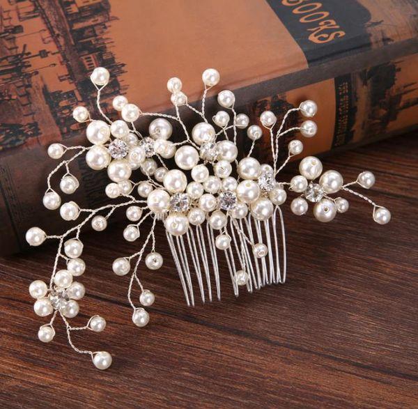 Bridal handmade beads, hair comb headwear, high-end white pearls, hair ornaments, bridal accessories.