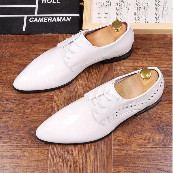 2018 New style Patent Leather Men Dress Shoe Brand Men's Business Shoes Italian Style Fashion Men Wedding rivets Shoes Male Footwear J35