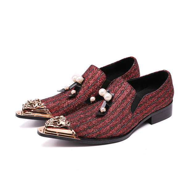 Printemps Automne Chaussures Homme Slip On Métal Bout Pointu Toe Dress Chaussures Red Glitter Bling Design Mariage Homme Chaussures Male Flats