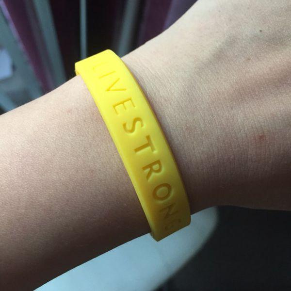Compre Live Forte Esporte Pulseira Motivacional Holograma Pulseiras De Silicone Côncavo Texto Adultos Adolescentes Pulseira Ao Ar Livre Amarelo De
