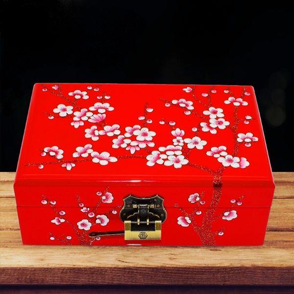 Compre Cajas De Joyería De Lujo Para Bodas Diseño Flor De Ciruelo Madera Pintada Terciopelo Rojo Cajas De Almacenamiento De Joyería Estuches Para