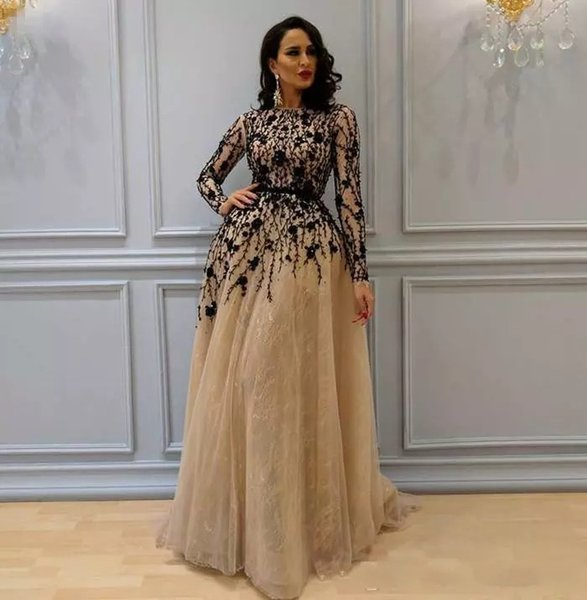 Gorgeous Beading Evening Gown with Long Sleeves Flowers Lace Crew Neckline Prom Dresses Champagne Elegant Womens Dress Evening Wear