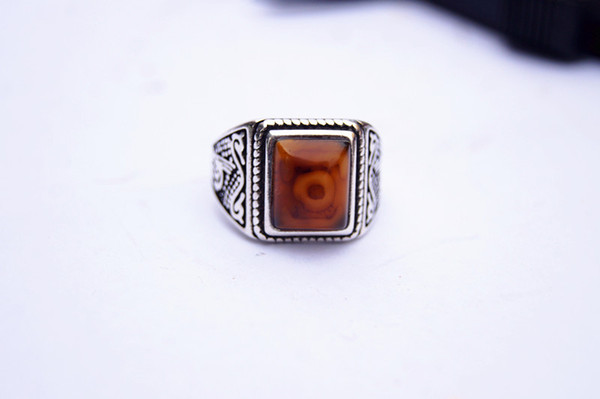 Free shipping - alloy inlaid red Tibetan dragon eyes, rings, square ring surfaces. Successful people's choices.